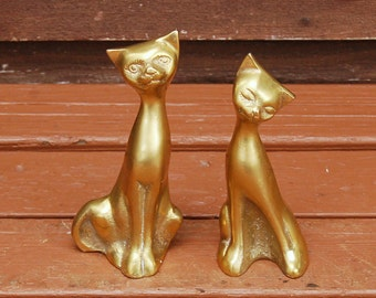 Brass Cats, Vintage Brass Kitties, Small Cat Paperweights, Small Brass Cats Figurines, Brass Cat Couple
