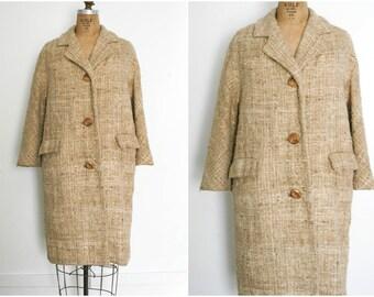 1960s | Vintage 60s Tan Open-Weave Nubby Coat | Size M-L