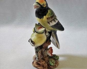 Vintage Porcelain Warbler Mommy Feeding Baby Bird Figurine Made in Japan