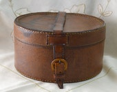 Antique Gentlemen's Brown Leather Shirt Collar Box - Circular Storage Case with Buckled Handle Strap - Perfect Gift for The Dapper Gent (2)