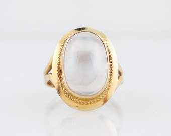 Vintage Right Hand Ring Mid-Century 6.94 Cabochon Cut Moonstone in 18k Yellow Gold