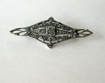 Elegant Marcasite Bar Pin Brooch / Sterling Silver Brooch / Vintage Jewelry / Collectible Jewelry / Fashion Jewelry