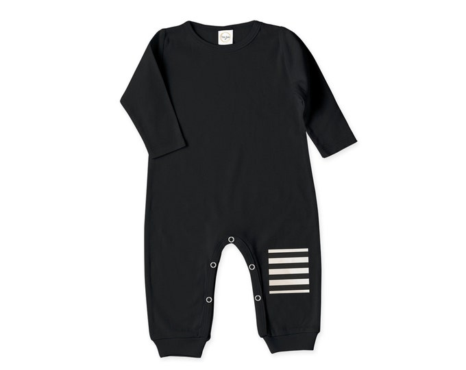 Newborn Baby Coming Home Outfit, Newborn Baby Boy Girl Black and White Outfit, Baby Girl Red Romper, Baby Minimalist Bodysuit TesaBabe