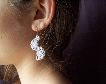 Tatting pattern for earrings - tatted jewelry - shuttle tatting pattern or needle tatting pattern frivolite frivolity tatted lace tutorial