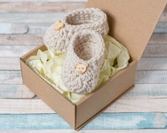 Pregnancy reveal, Crochet baby Booties, Grandparent announcement, newborn booties, baby boy, girl shoes, Expecting parents