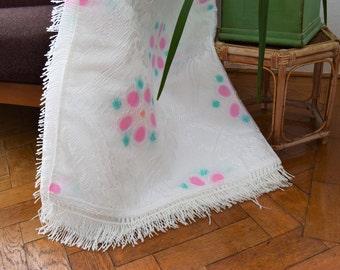 Vintage 1960s Portuguese double bedspread, white pink green fringed throw, boho chic throw, French romantic rustic cottage farmhouse decor