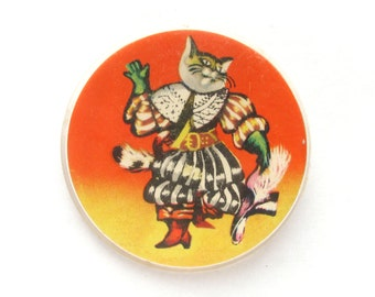 Puss in Boots, Vintage plastic badge, Cat, Puss, Cartoon character, Soviet Vintage Children's Pin, Russian, Vintage Badge, Made in USSR