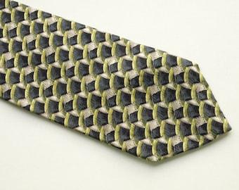 Ermenegildo Zegna Silk necktie green color 100% Silk Made in Italy Italian necktie designers necktie green gray waves