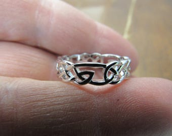 Hand Made Single Celtic Knot Ring Size 8