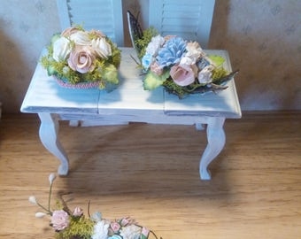 Dollhouse miniatures beautiful flower arrangements in pink and white