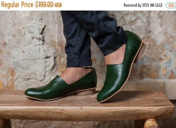 Emerald Green Leather Shoes / Flat Leather Shoes / Women Shoes / Every Day Shoes / Comfortable Casual Shoes / Wooden Heels Shoes - Shelly