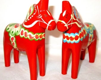 """GREEN OR BLUE Vintage Red 5""""H Hand Painted Grannas A. Olsson Swedish Dala Horse Dalecarlian Folk Art Made in Sweden Hand Carved Sweden Gift"""