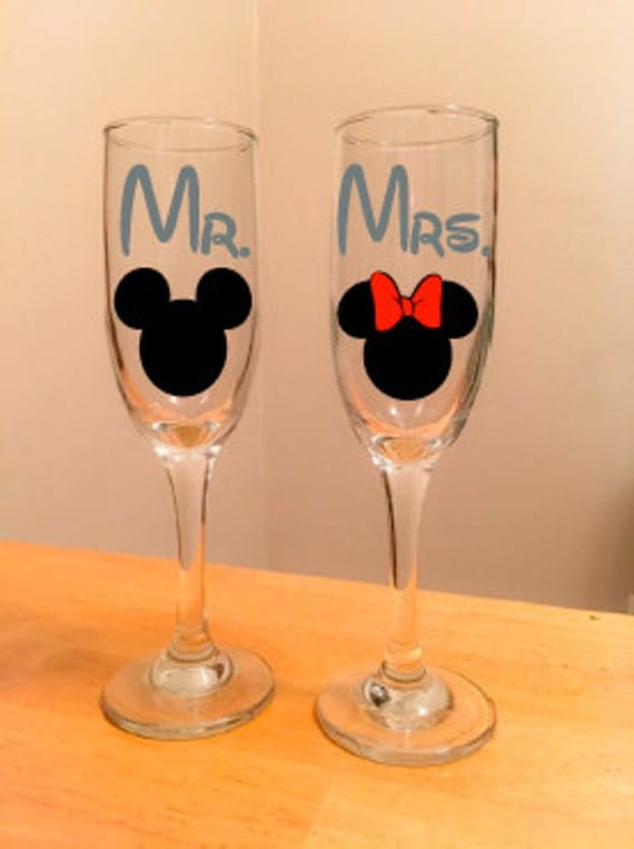 Mr. and Mrs. Mickey & Minnie Ears Champagne Flute Set