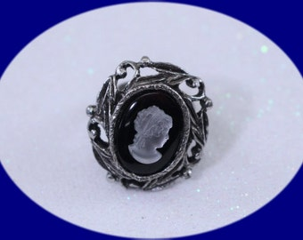Art Nouveau Vintage Silver Cameo Ring Silver Plated Cameo Silver adjustable Ring  Vintage Costume Jewelry Vintage Jewelry