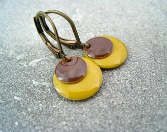 Enamel earrings yellow brown retro earrings mustard dark brown disc dangles Emaille Ohrringe gelb braun Retro Ohrringe senfgelb dunkelbraun