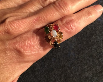 Vintage stone ring with Jade, Goldstone, Tiger Eye, Opal, Onyx and possibly Red Coral or Red Jasper  size 8.5