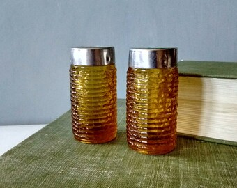 Amber gold salt and pepper shakers, anchor hocking shakers, honey colored shakers