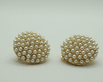 Stunning Vintage Petite Faux Pearl Clip On Earrings