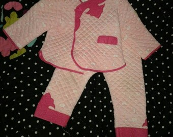 On sale 3 days !Girls 4/5 quilted pajamas set