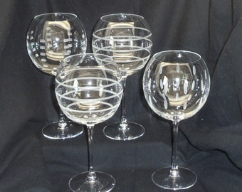 Exquisite Tall Balloon Wine Glasses (4), Clear Etched Bowl, Stem and Base, 3 Etched Designs, #VB7207