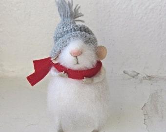 felt mouse, white felted mouse, miniature mouse, mouse's coat, miniature animal, felting animal