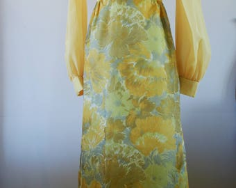 70's Vintage Yellow Chiffon with Yellow & Green Floral Long Sleeve Empire Waist Bridesmaid Maxi Dress Size XS/S  BT-115
