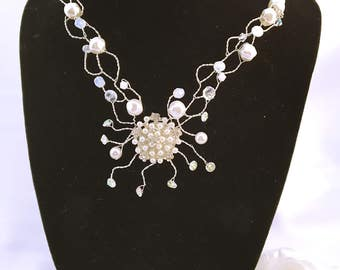 Collier married L ' beaded spider
