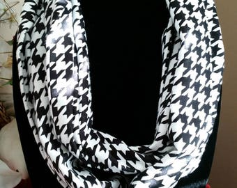 Black and White Houndstooth Infinity Scarf, Infinity Scarf, Infinity Scarves, Scarves, Circle Scarf, Circle Scarves, Neck Wear, Outer Wear