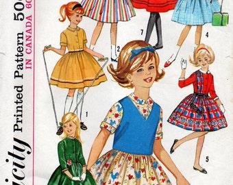 Simplicity 5092, Girls One Piece Dress Weskit, Seven Day Wardrobe, Size 7, Full Gathered Skirt, mulitiple dresses, Vintage 1960s Pattern,