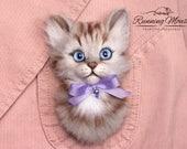 Needle felted cat brooch. Gray tabby cat. Cat pin. felt brooch. cat badge. one of a kind kitten brooch. Needle felted kitten. Cute cat.
