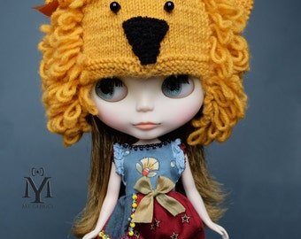 Hand Knitted Hat, Lion