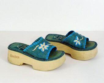 90s Flatform Woven Floral Skechers Sandals Size 6