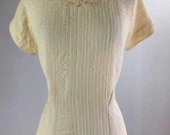 1950's Button Back Ivory Blouse with Vertical Lace and Bow Detailing | Morlove The Couturier Blouse | Size Large