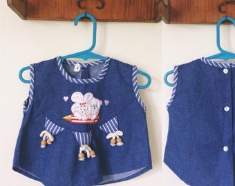 Vintage 70s // CHAMBRAY DENIM TOGGLE Top // Sweet Applique Folk Top // Bunny Rabbits & Hearts //  Size 1