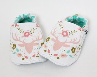 0-6 MO - Baby crib shoes, Floral deer, Pink buck, Aqua, Slippers, Flannel, Cotton, Soft soles Moccasins, Girl, Christmas, Shower gift idea