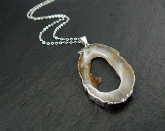 Agate slice with silver necklace, agate Geode pendant, necklace with agate, trailer Geode agate Druze, chain m. trailer, Druzy pendants
