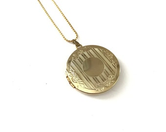 Vintage Round Etched Design Gold Plated Locket Necklace