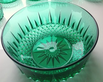 Arcoroc Emerald Green Glass Large Bowl, Made in France