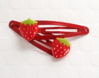 Strawberry hair clip, Girls hair clips, Toddler Hair Clips, Baby Hair Clips, Strawberry Accessory, Hair Clip for girls, snap clips, clippies
