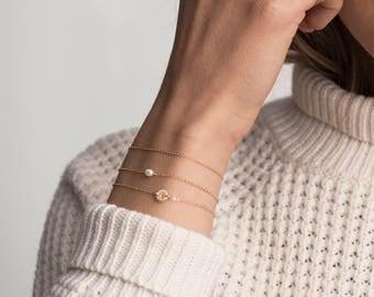 Oval Pearl Bracelet, Small Pearl Bracelet, Layering Bracelet, Gift for Her, Dainty BraceletSimple Bracelet,Minimal Jewelry,Dainty Pearl/B115