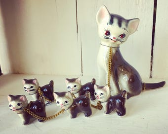 Vintage Ceramic Kitty Cat Family Mom Cat and 5 Kittens on Chains Chained Figurines
