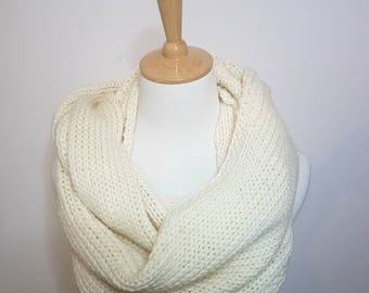 Cream knit infinity scarf, Gift for women,  gift for wife, gift for mom, Australian Merino wool cream infinity scarf. Gift for her