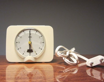 DIETRICH LUBS - Braun Phase 3 - Type 4927 - White ABS/Plastic Electronic Alarm Clock - Made in West Germany - 1972