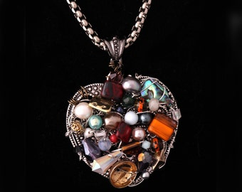 Wire wrapped handmade heart pendant/Statement necklace/Unique pendant/Pearls/Gift for Her/OOAK/Birthday gift/Wearable art