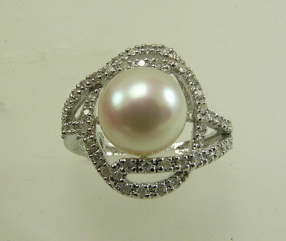 Freshwater White 9.6mm Pearl Ring 14k White Gold with Diamonds 0.32ct