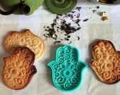 Hamsa Hand cookie cutter, Cookie mold with the shape of the Jamsa Hand, Hamsa cookie cutter and Stamp. Fatima hand cutter