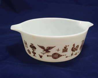 Pyrex 472 Early American Baking Bowl- Vintage Bakeware- 1.5 Pint Casserole Dish- White with Brown Design- Cinderella Handles- Corning 1970s
