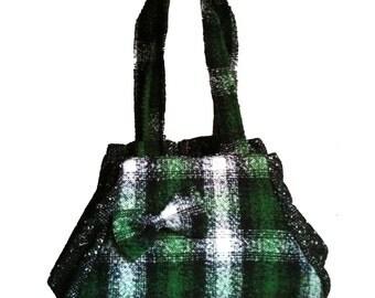 italian handbag handmade, handbag for woman, handbag in wool for winter, scottish green bag for week and