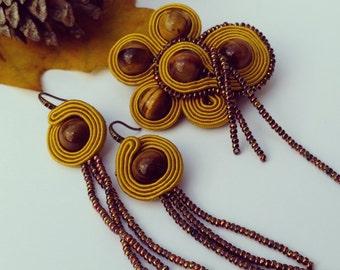 Brooch and earrings set