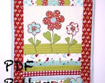 Flower Quilt Pattern, table runner quilt pattern, Applique pattern, Mug Rug Pattern, quilt Pattern, PDF Pattern, Spring Quilt Pattern,